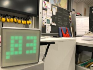 ThingPulse Swiss CO2-monitor in a classroom